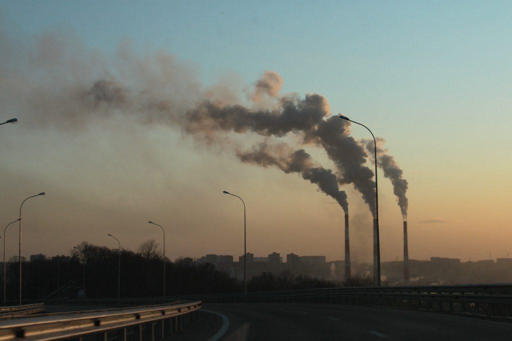 Stany Zjednoczone są największym emitentem dwutlenku węgla w historii.  Gdzie stoją inne kraje?