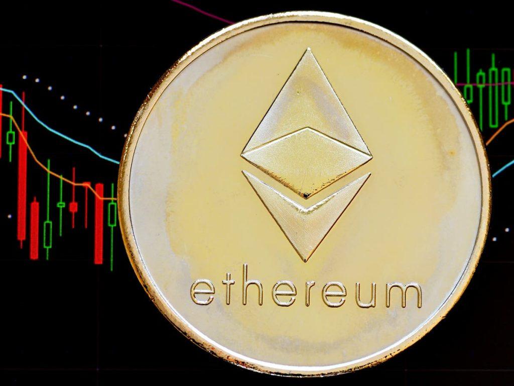 Co się dzieje z Ethereum?  Błyskawiczny wzrost cen kryptowalut przyćmiewa bitcoin 3 do 1 w 2021 roku