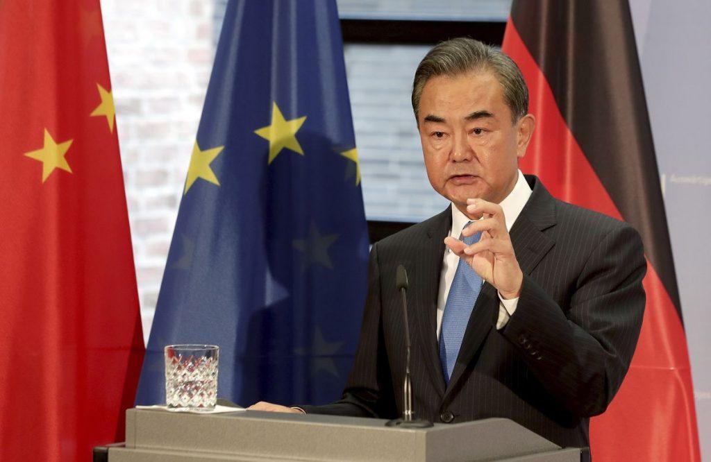 Chiny korzystają ze wsparcia Polski i Serbii po zamrożonej umowie Unii Europejskiej