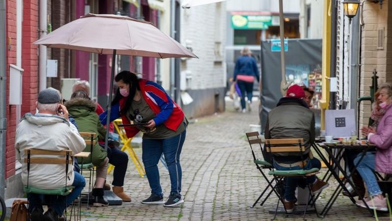 Majowa aktualizacja gospodarcza: Jedz w deszczu    raport