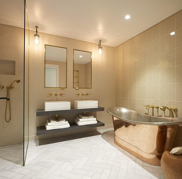 Apartamenty oferują wspaniałe wnętrza z oknami sięgającymi od podłogi do sufitu i luksusowymi łazienkami