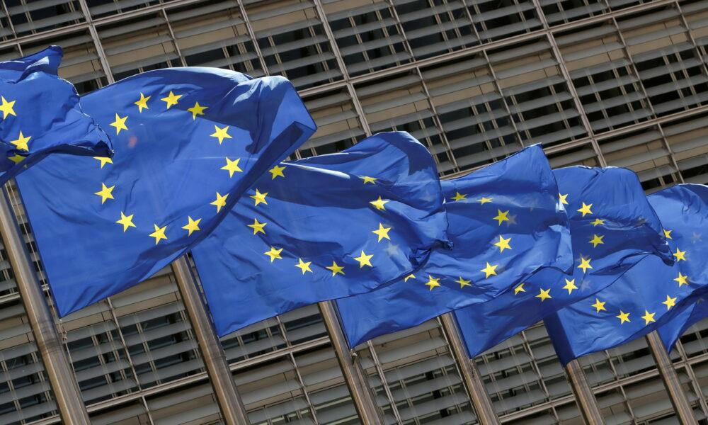 UE wymienia kwestie dotyczące praworządności na Węgrzech i w Polsce, które mają kluczowe znaczenie dla uwolnienia funduszy COVID أموال